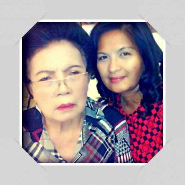 Mega Simarmata dan sang ibu tercinta